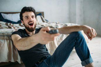 المواد الإباحية تنتشر بسبب بعض وسائل التواصل