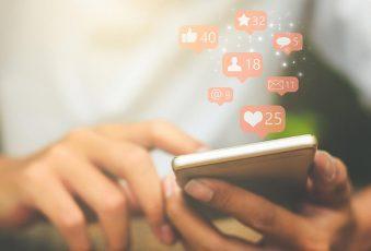 عيد الحب و زمن وسائل التواصل الإجتماعي