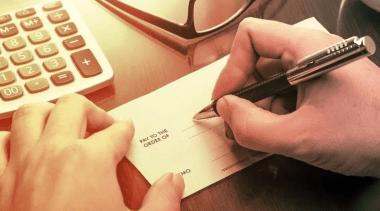 القلم السحري خُدعة قد تخفي كل أموالك في ثانية ' خطير '