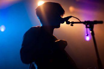 الغناء و كيف تبدأ مشروعك الغنائي بأفضل المعدات و أقل الاسعار