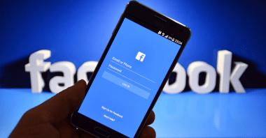 تعطل الفيسبوك و انستغرام و مسنجر و واتساب ' عاجل الأن '
