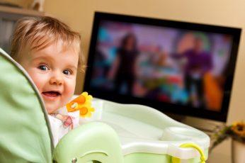 التلفاز و أثاره على المحادثة عند الطفل
