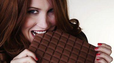 الشوكولا و أهم فوائدها المميزة أثناء تناولها