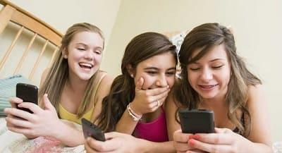 نصيحة للآباء والأمهات لمرافقة أطفالهم على مواقع التواصل